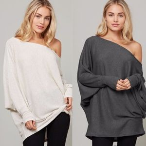 WENNDELYNN Off Shoulder Top  - OATMEAL
